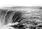(Thumbnail) High water conditions at the brink of the Horseshoe Falls - view south from Table Rock (image/jpeg)