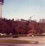 (Thumbnail) Walkway from top of Incline Railway to Minolta Tower viewed from Queen Victoria Park (image/jpeg)