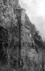 (Thumbnail) Biddle Stairs at Cave of the Winds (image/jpeg)