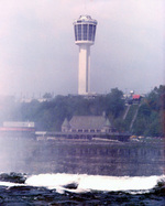 (Thumbnail) Panasonic Tower, Table Rock House, Incline Railway viewed from the US side (image/jpeg)