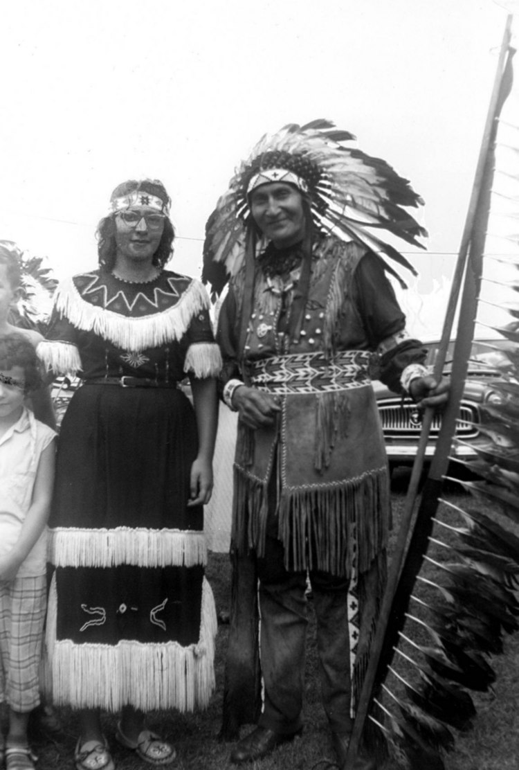 Chief David Hill standing beside an unknown woman (image/jpeg)