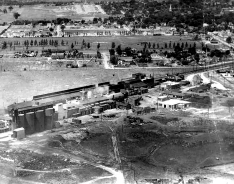 Aerial view of a factory in Niagara Falls, possibly Cyanamid (image/jpeg)