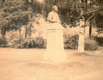 (Thumbnail) Statue of Colonel Sir Casimir Gzowski first Chairman of the Niagara Parks Commission (image/jpeg)
