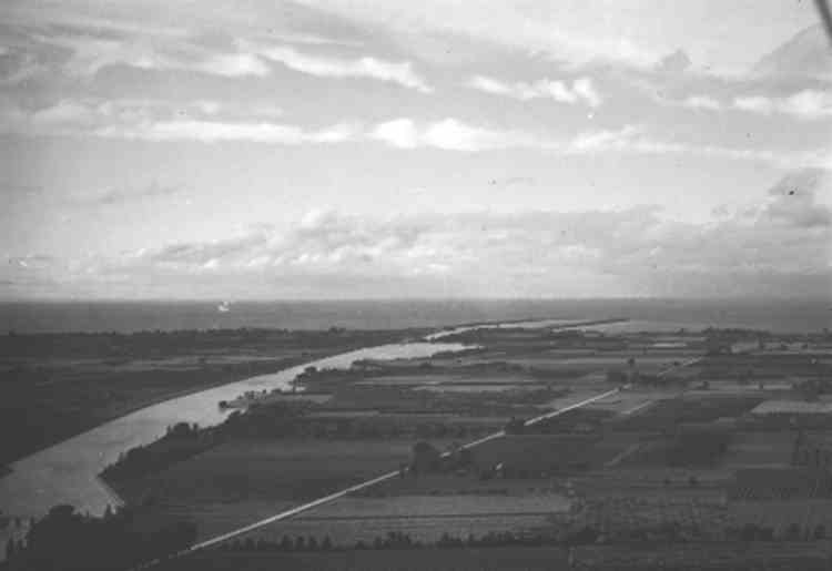 Aerial View of Welland Ship Canal - Homer, Ontario in the Foreground (image/jpeg)