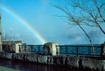 (Thumbnail) Brink of the Horseshoe Falls in Winter - Rainbow Bridge in background (image/jpeg)