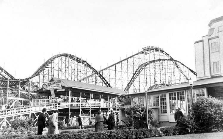 Crystal Beach - Cyclone Coaster, Dance Pavilion at right (image/jpeg)