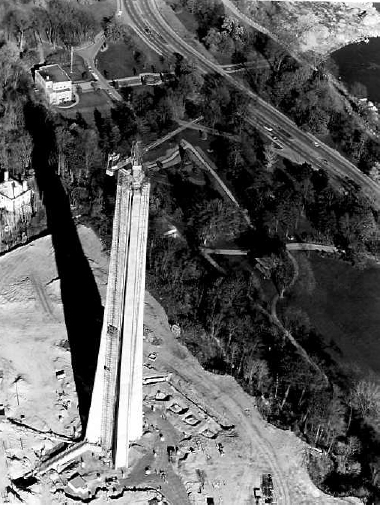 Aerial View of the Construction of the Skylon Tower (image/jpeg)