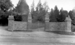 (Thumbnail) Entrance to Queenston Heights Park (image/jpeg)