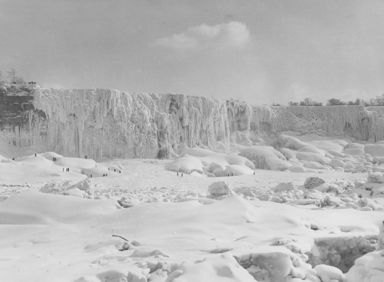 American Falls Completely Frozen Over Details