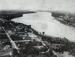 (Thumbnail) Aerial view of Queenston and the lower Niagara River (image/jpeg)