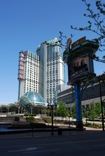 (Thumbnail) Exterior view of the Fallsview Casino complex on Fallsview Boulevard (image/jpeg)