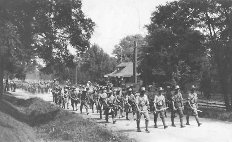 Canadian Expeditionary Forces Marching up Queenston Heights (image/jpeg)