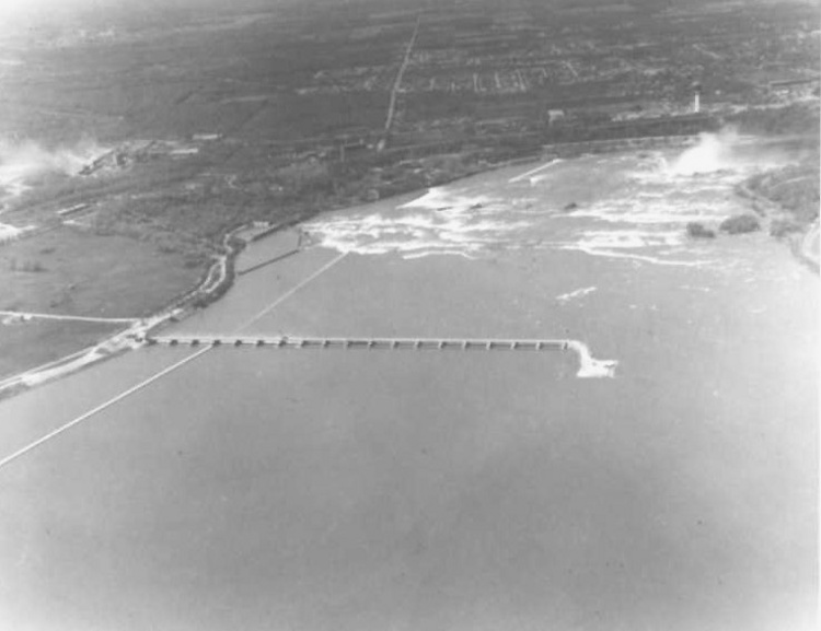 Aerial view of the International Control Dam and the Toronto Power Plant (image/jpeg)