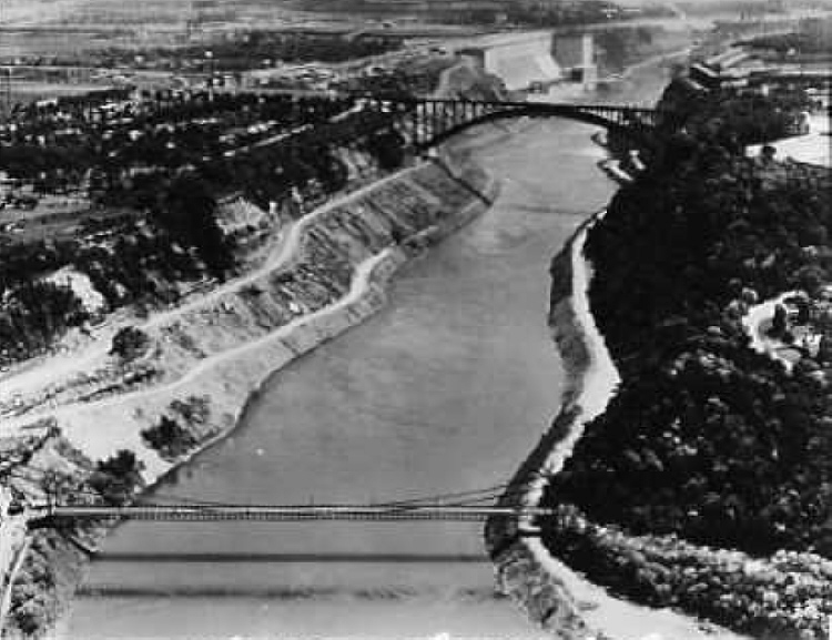 Aerial view of the Lewiston-Queenston Suspension and Arch Bridges (image/jpeg)
