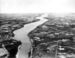 (Thumbnail) Aerial view of the Lower Niagara River, with the Queenston - Lewiston Bridge in the foreground (image/jpeg)