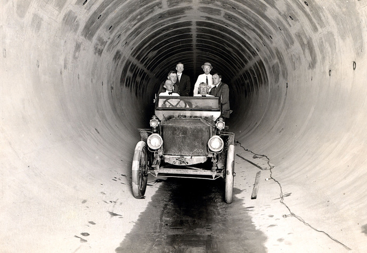 Automobile in a water conduit for the Ontario Power Company (image/jpeg)