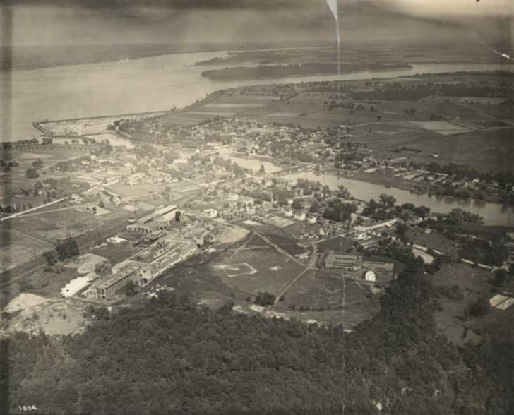 An aerial view of the city of Chippawa and the Upper Niagara River (image/jpeg)