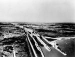 (Thumbnail) Aerial of Welland Canal's Completed Locks #4 and #5 (c.1929) (image/jpeg)
