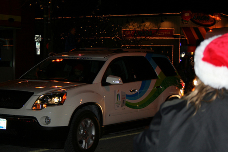 2010 Olympic Torch Relay in Niagara Falls - Official Vehicle in Front of That's Amore Pizzeria (image/jpeg)