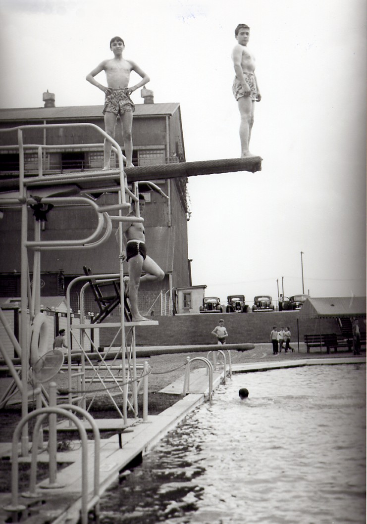 Cyanamid Swimming Pool - high diving board - Details