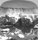 (Thumbnail) Ice formations in the Niagara River in front of the American Falls (image/jpeg)