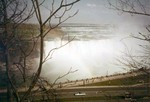 (Thumbnail) Aerial view of the Horseshoe Falls, with the International Control Dam in the background (image/jpeg)