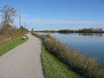 (Thumbnail) Fall Colours : The Welland Canal Trail Between Locks Two and Three Looking North (image/jpeg)
