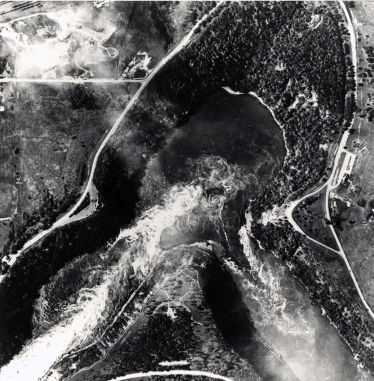 Aerial view of the Whirlpool (image/jpeg)