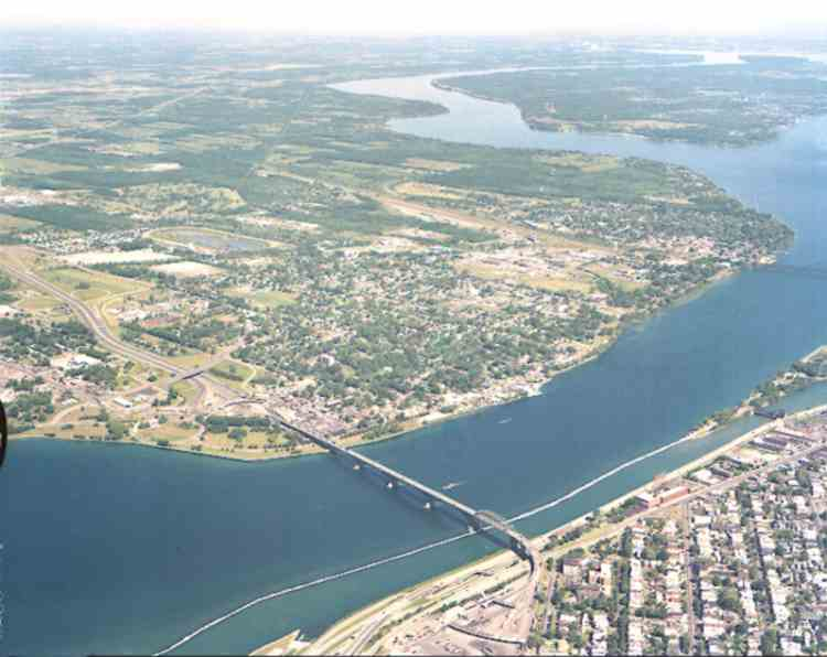 An aerial view of Fort Erie and surrounding areas (image/jpeg)