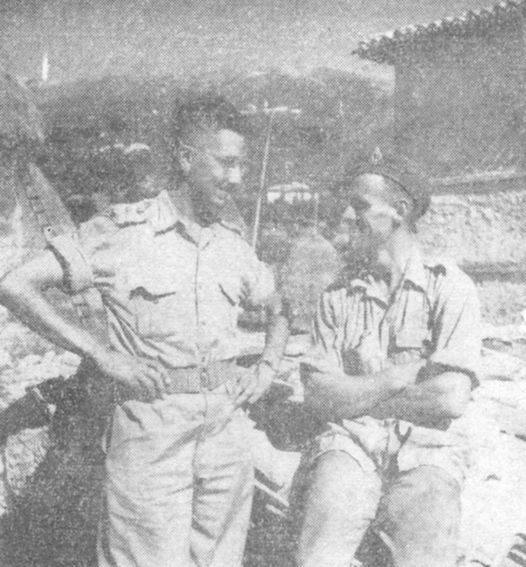 Captain Kenneth Kaye and Signalman R F Wiltshire on active duty in Italy (image/jpeg)