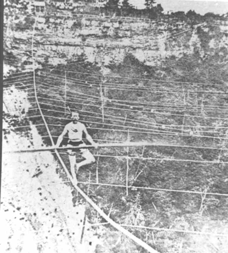 Blondin posing for a Photo, while Tight-Rope Walking over the Niagara Gorge (image/jpeg)