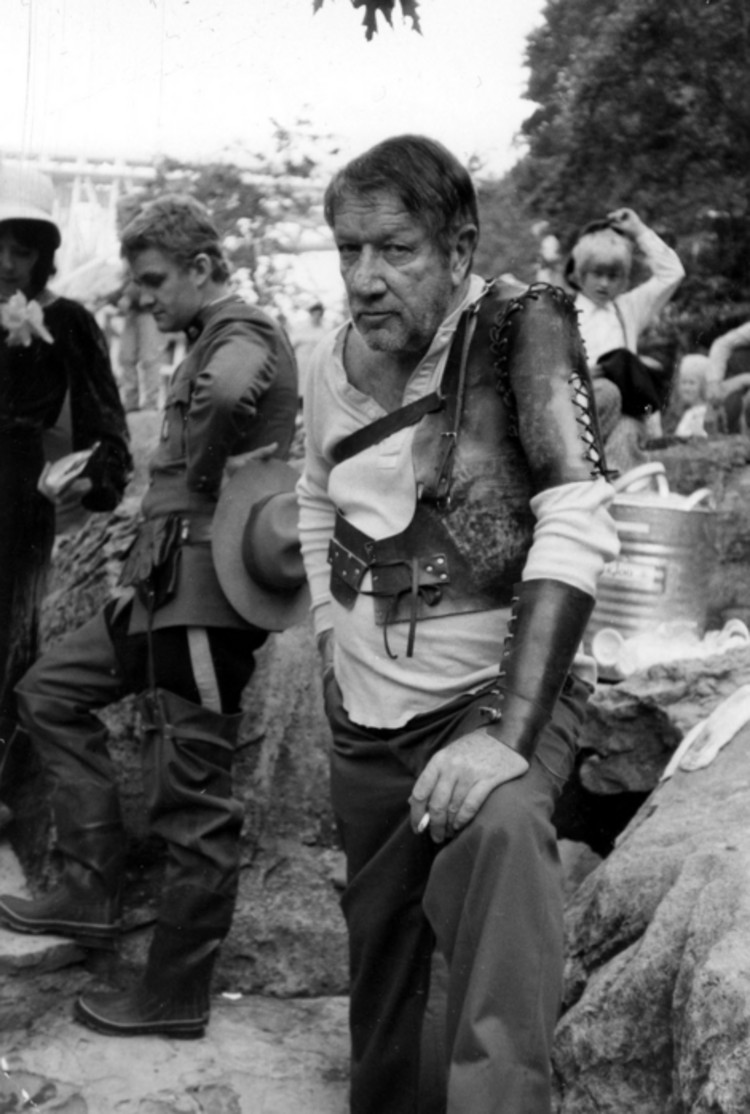 richard boone during filming of the movie quotthe great