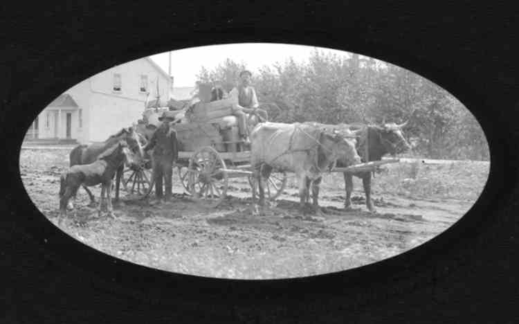 Farmers on Sodom Rd., in Willoughby Township, over a century ago (image/jpeg)