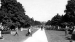 (Thumbnail) Soldiers in Queenston Heights Park (image/jpeg)