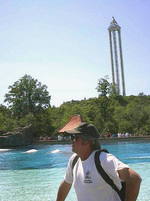 (Thumbnail) Alexander Hetherington at Marineland (image/jpeg)