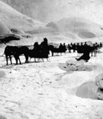 (Thumbnail) Horse drawn sleigh with sightseers on the ice bridge in front of American Falls (image/jpeg)