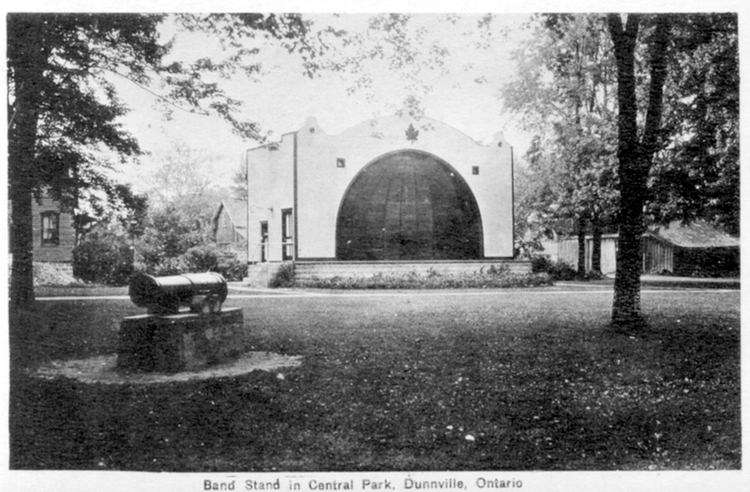 Band stand in Central Park Dunnville Ontario (image/jpeg)
