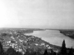 (Thumbnail) View of Queenston and the lower Niagara River from Queenston Heights Park (image/jpeg)