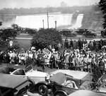 (Thumbnail) Motorcade of Edward, Prince of Wales, and crowd with American Falls in the background (image/jpeg)