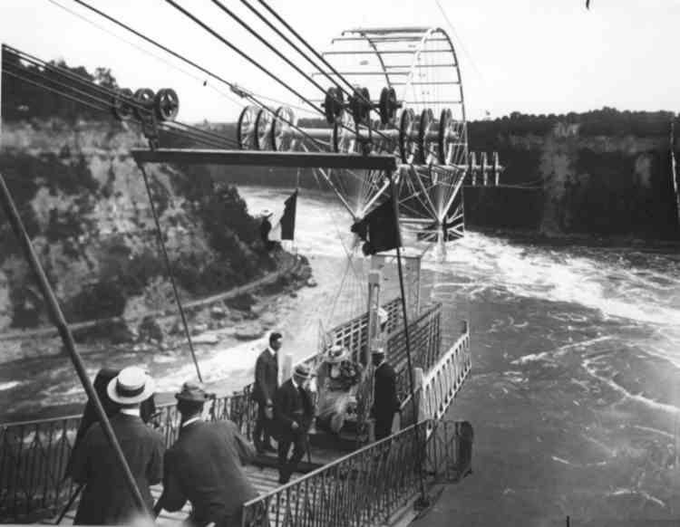 Official Opening for the Spanish Aero Car over the Whirlpool Rapids, in the Niagara River - 1916 (image/jpeg)