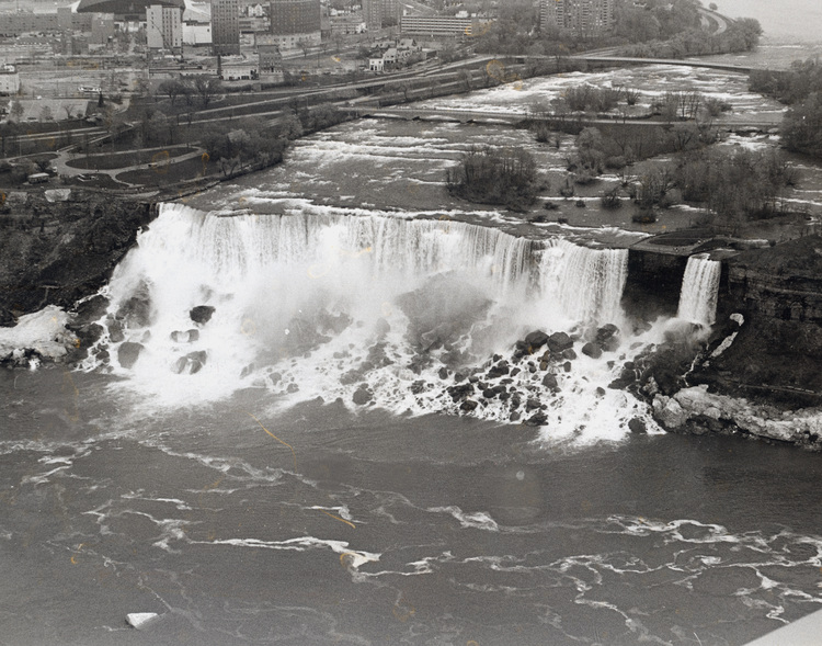 Aerial View of the American Falls (image/jpeg)