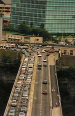 (Thumbnail) Aerial View of Traffic on the Rainbow Bridge (image/jpeg)
