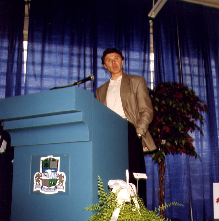 9th Sports Wall of Fame Induction Ceremony - Barry Finlay Football (image/jpeg)