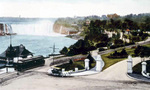 (Thumbnail) Entrance to Queen Victoria Park through Mowat Gate, Horseshoe Falls in background (image/jpeg)