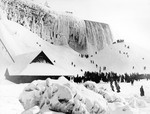 (Thumbnail) Ice mountain and Incline Railway below the American Falls (image/jpeg)