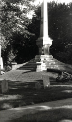(Thumbnail) Battlefield Monument in Drummond Hill Cemetery (image/jpeg)