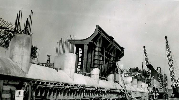 Construction of the Hydro Electric Power Tunnels (image/jpeg)