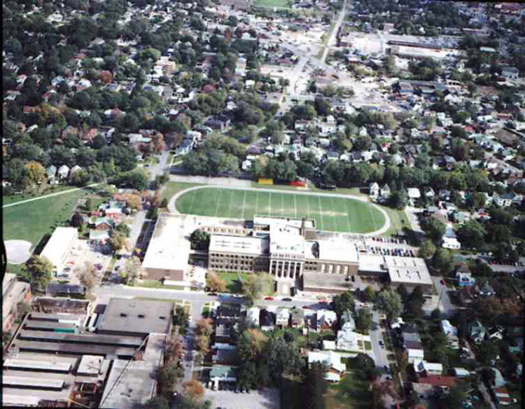 An aerial view of the St. Catharines Collegiate Institute & Vocational School - St. Catharines, Ont. (image/jpeg)