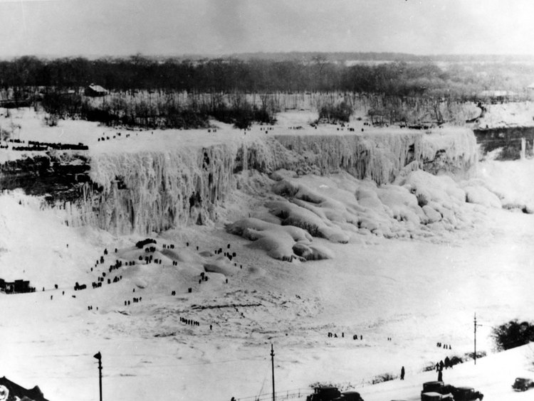 American Falls frozen In 1936