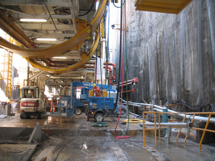 Assembly of the tunnel boring machine during the Niagara Tunnel Project (image/jpeg)